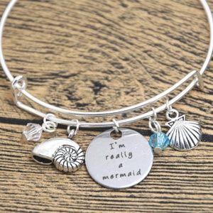 Jewelry - Mermaid Really Silver Shell Slide Bracelet NWT